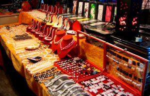 thai-ukrasheniya-market