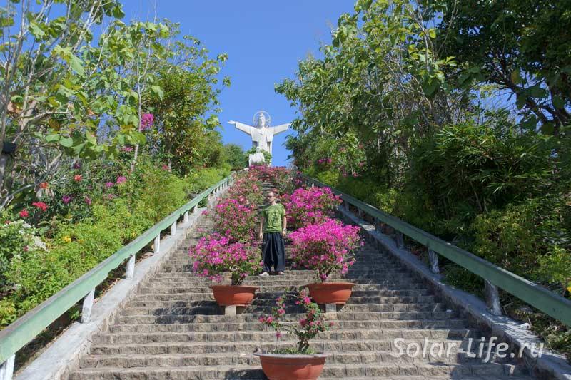 vungtau_jesus_christ_statue